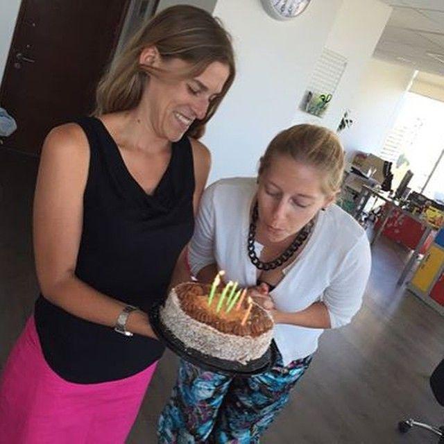 Muy feliz cumpleaños a nuestra querida Directora de Cuentas. Que los cumplas feliz feliz! @nicdou  #tacoalto #diseño