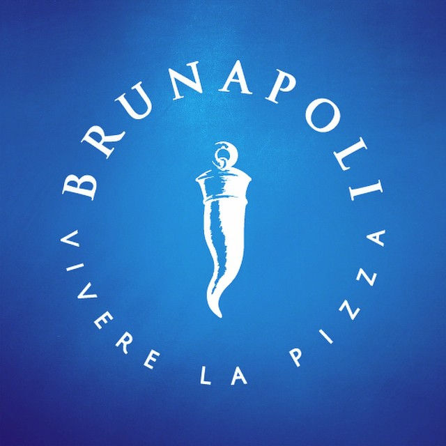 Creación y desarrollo de marca. Nuevo restaurante Italiano BRUNAPOLI. Visita su sitio web en www.brunapoli.cl #tacoalto #diseño #fino #diseñochileno #restauranteitaliano